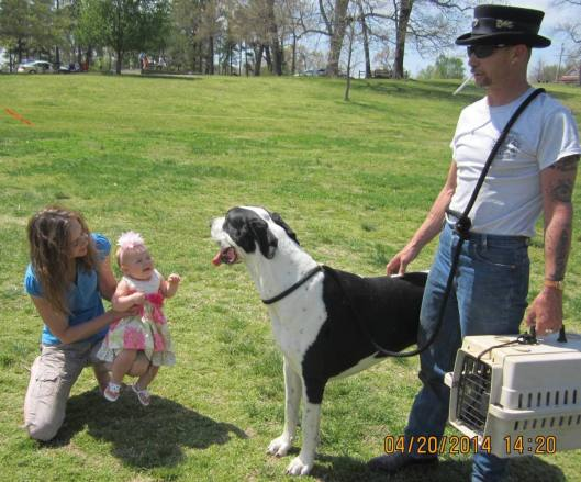 Linda Vincent of Wirth, Ark., and friend meet Hrothgar, a great big dog, owned by Frank Lashway of Thayer.
