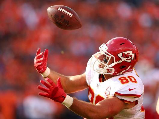 "Chiefs tight end Anthony Fasano made what was described as a magnificent ""circus catch"" Sunday. (Kansas City Chiefs photo)"