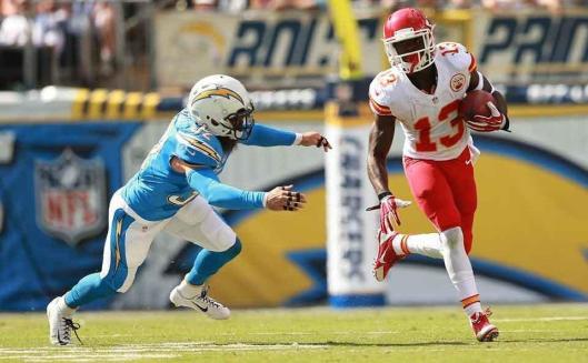 Chiefs star rookie D'Anthony Thomas runs with the ball. (Kansas City Chiefs photo)