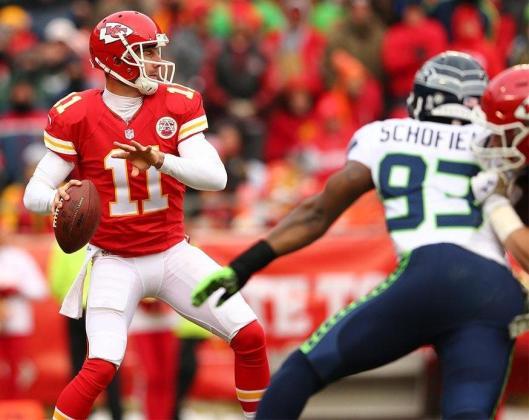 Chiefs quarterback Alex Smith is ready to pass the ball. (Kansas City Chiefs photo)