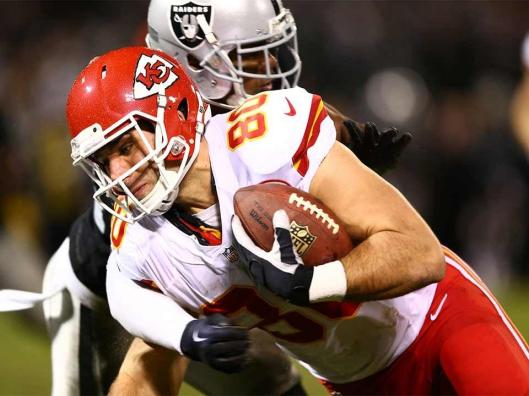 Chiefs tight end Anthony Fasano scored the first Kansas City touchdown in the third quarter of the game against the Oakland Raiders Thursday night. (Kansas City Chiefs photo)