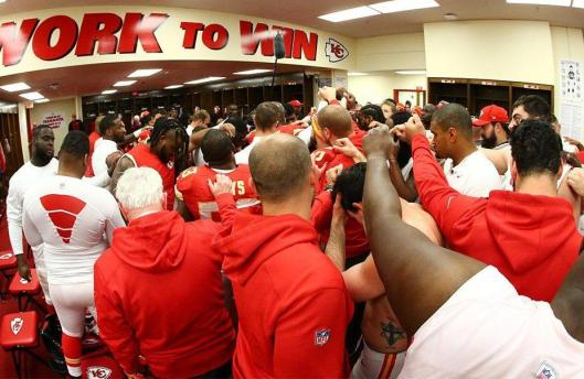 The Chiefs celebrate after the game Sunday. (Kansas City Chiefs photo)