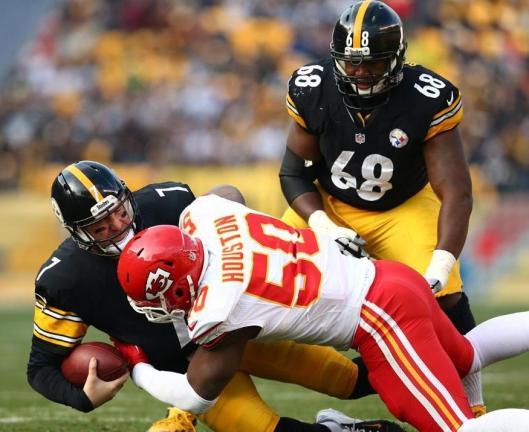Chiefs linebacker Justin Houston sacks Steelers quarterback Ben Roethlisberger (Kansas City Chiefs photo)