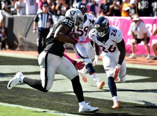Raiders fullback Marcel Reece scored Oakland's first touchdown Sunday. (Denver Broncos photo)