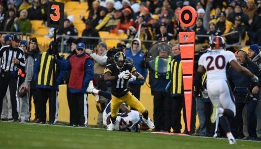 A touchdown by Steelers wide receiver Markus Wheaton at the start of the fourth quarter tied the game at 27-27. (Pittsburgh Steelers photo)