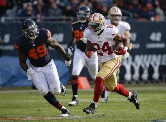 San Francisco running back Shaun Draughn scored a touchdown to tie the score at 13-13 before the end of the first half Sunday. (Chicago Bears photo)