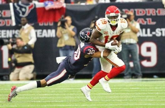 Chiefs wide receiver Jeremy Maclin is tackled by Kevin Johnson. Maclin suffered a knee injury in the third quarter Saturday and was to have an MRI Sunday. (Kansas City Chiefs photo)