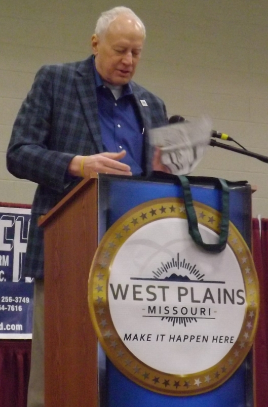 West Plains Mayor Jack Pahlman welcomes those attending the Small Farm Conference.