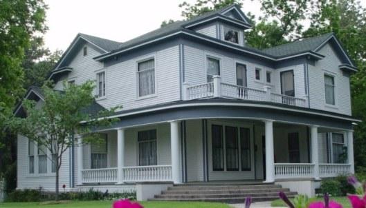 The Pfeiffer-Jane House in Piggott