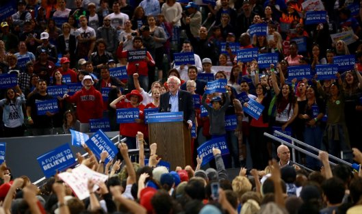 After being declared the winner in Oregon, Bernie Sanders spoke to a rally of 11,168 supporters at California State University, Dominguez Hills. (berniesanders.com photo)