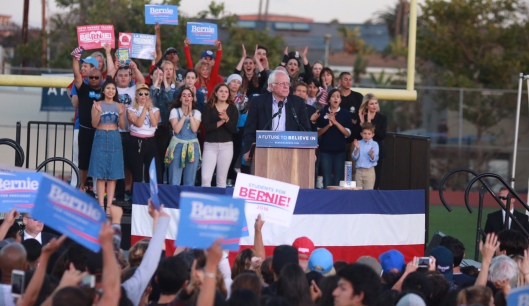 Bernie Sanders addresses supoorters in Santa Monica, Calif. (berniesanders.com photo)