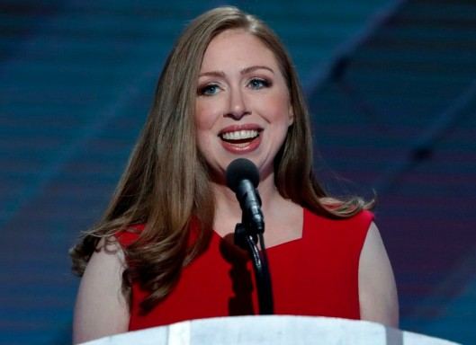 Introducing Hillary Thursday night, Chelsea Clinton promoted her mother's humanity, giving examples of their mother-daughter relations and feelings.