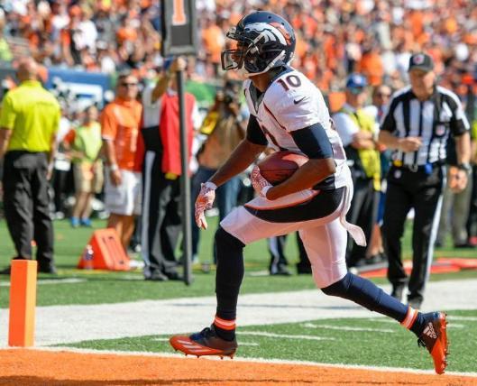 wide receiver Emmanuel Sanders scored two Broncos touchdowns in the first half Sunday. (Denver Broncos photo by Eric Bakke)