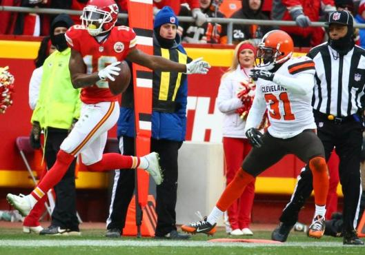 Wide receiver Jeremy Maclin scored the first Chiefs touchdown Sunday in the game against the Cleveland Browns. (Kansas City Chiefs photo)